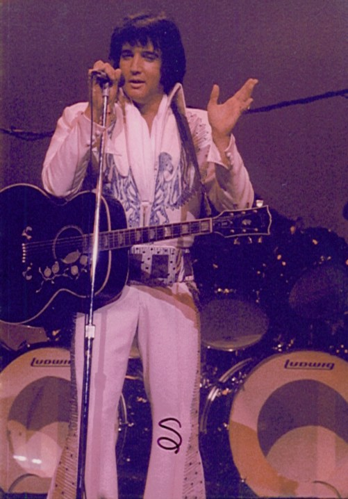 https://i0.wp.com/www.elvisconcerts.com/pictures/s740827ms01.jpg