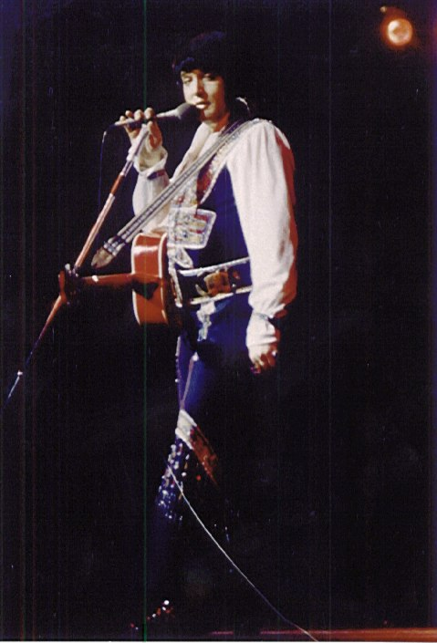 https://i0.wp.com/www.elvisconcerts.com/pictures/s751213ds01.jpg