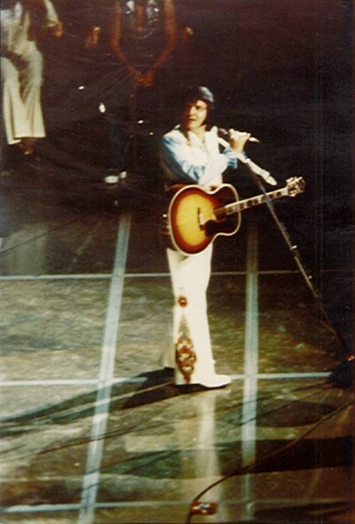 https://i0.wp.com/www.elvisconcerts.com/pictures/s76062501.jpg