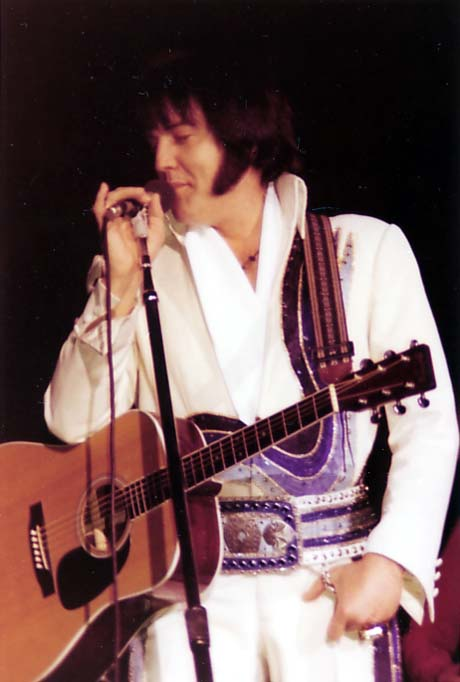 https://i0.wp.com/www.elvisconcerts.com/pictures/s76122701.jpg
