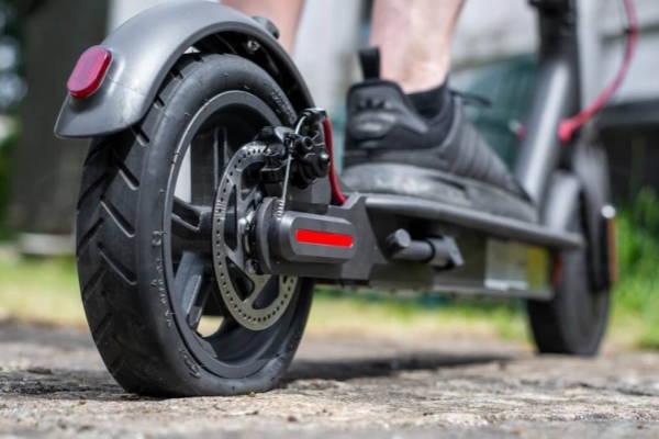 Ремонт шин у дорозі. Аварійний герметик швидкої дії для ремонту коліс.