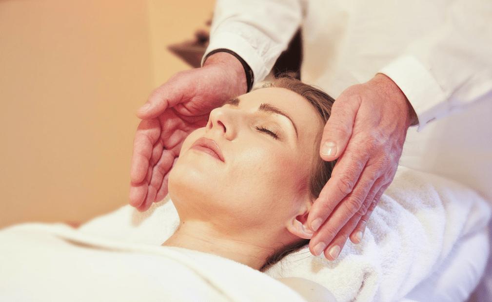 sesiones de reiki terapia casteldefels elya therapies