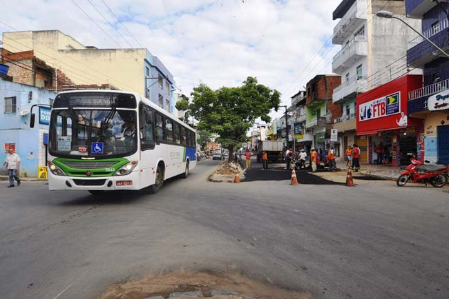 Manutenção de vias com operação tapa-buracos no São Caetano - Foto Wilson Oliveira 1
