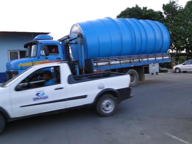 Emasa instala tanques em bairros mais prejudicados pela falta d' água - Foto Alex de Souza (2)