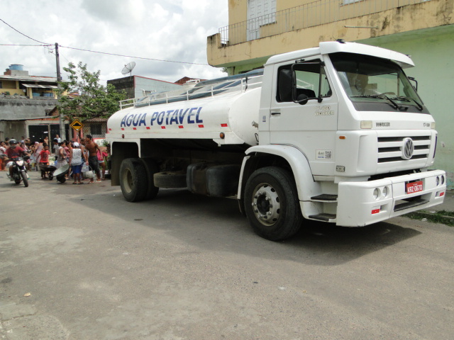 Emasa fornece água potável a clínicas, hospitais e a população de Itabuna em 68 tanques nos bairros periféricos - Foto Alex Souza - Emasa (7)