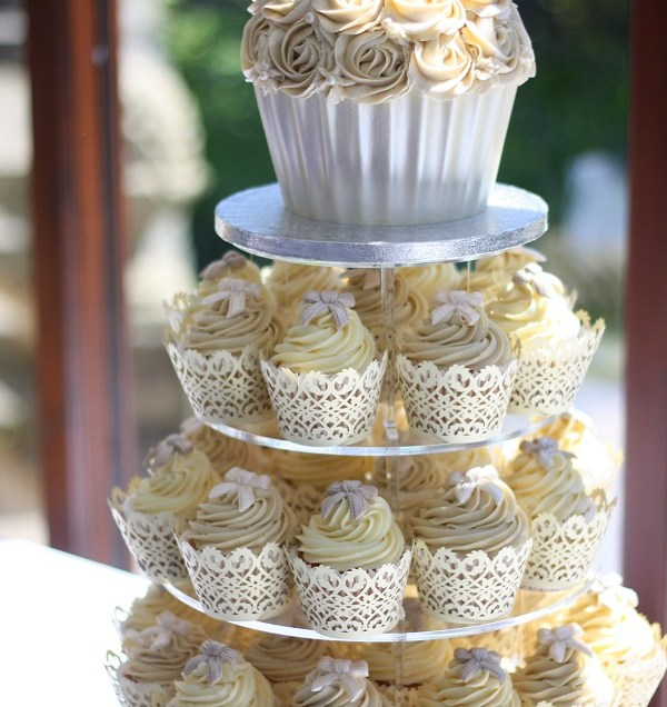 1000 Images About Wedding Cake Cupcakes On Emasscraft Org