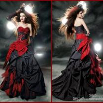 Black And Red Gothic Wedding Dresses 2015 Vintage Court Style