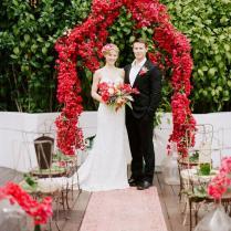 12 Striking Red Wedding Reception Ideas