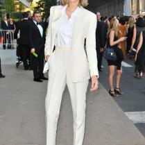 2015 Trim Fit Ivory Women Tuxedos Notched Lapel Suits For Women
