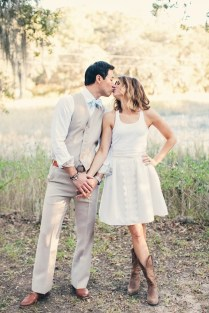 7 Tips To Help You Have A Country Western Themed Wedding → 👰…