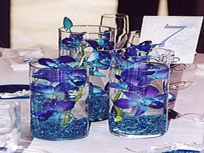 royal blue and silver wedding centerpieces