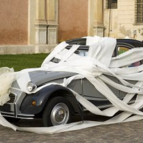 The Best Wedding Car Decorations Fun Ways To Decorate The