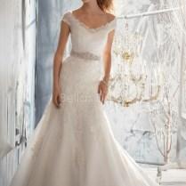 Vintage Lace Off The Shoulder Wedding Dress With V