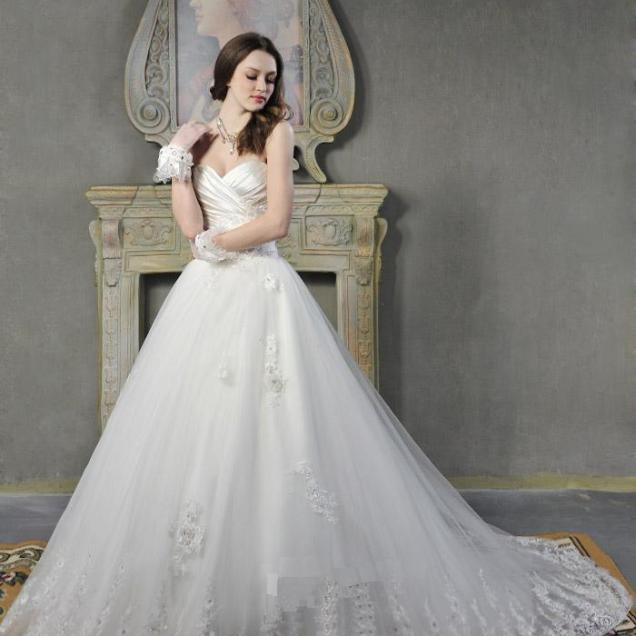 Vintage Lace Princess Wedding Dress With Sweetheart Neckline