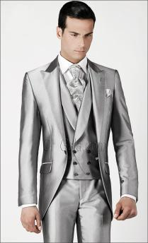 Vintage Silver Mens Suits Peaked Lapel Wedding Suits For Men