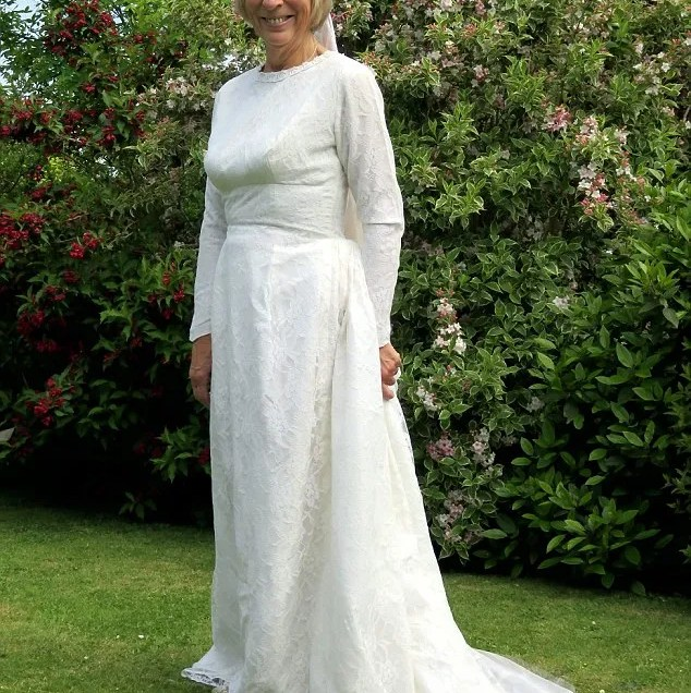 Wedding Dresses For 50 Year Old Brides
