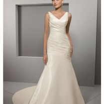 Wedding Gowns With Straps Or Sleeves