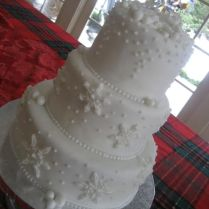 1000 Ideas About Snowflake Wedding Cake On Emasscraft Org