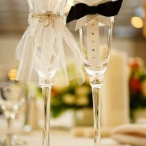 Adorable Bride & Groom Wraps For Your Wedding Wine Glasses
