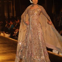 Best Pakistani Bridal Wedding Dresses For Walima Functions