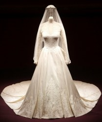 Description Of Princess Diana's Wedding Dress