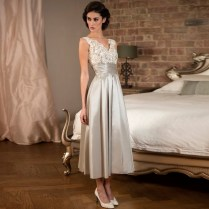Elegant Tea Length Silver Lace Satin Bridesmaid Dresses For
