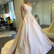 Exquisite One Shoulder Wedding Dresses Ivory Taffeta Sleeveless