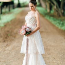 Hawaii Bridal Session With Fresh Orchid Veil