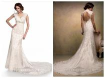 Lace Sleeveless A Line Scalloped V Neck Keyhole Back Wedding Dress