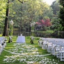 Overwhelming Side Lake Pathway Wedding Decoration Approach With