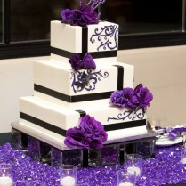 Pictures Of Purple Wedding Cakes