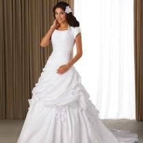 Traditional Wedding Dresses Pictures