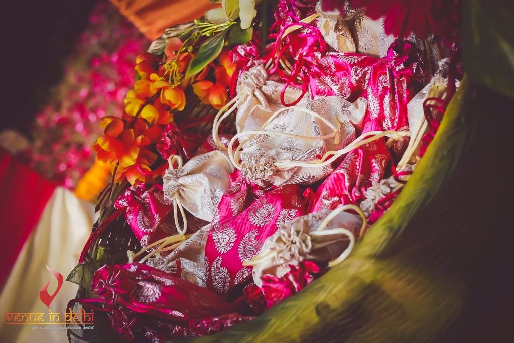 Gift Wrapping For Indian Wedding