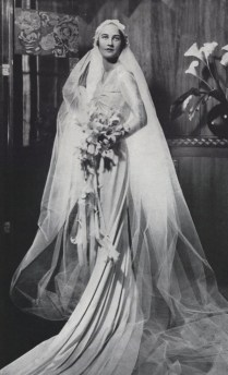 Vintage Everyday 42 Glamorous Wedding Dresses From Between The
