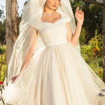 Vintage Inspired Bridal Wedding Dresses & Accessories