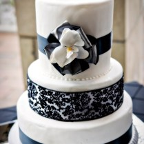 11 Studs With Black And Silver Wedding Cakes Photo