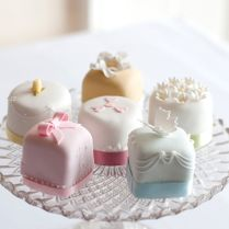 20 Mini Wedding Cakes Too Good To Eat! Plus Tutorials!