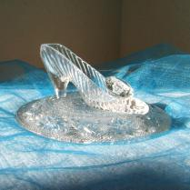 Cinderella Glass Slipper With Oleg Cassini Crystal & Glass Pillow