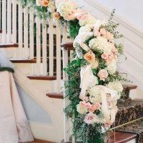40 Elegant Ways To Decorate Your Wedding With Floral Garlands