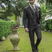 Dark Grey Vintage Men Suits Peaked Lapel Wedding Suits For Men