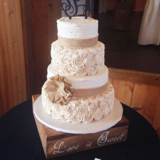 17 Best Ideas About Burlap Wedding Cakes On Emasscraft Org
