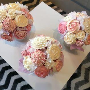 25 Best Ideas About Cupcake Centerpieces On Emasscraft Org