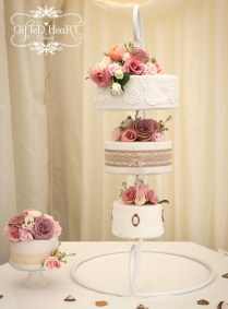 5 Amazing Hanging Wedding Cakes