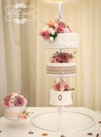 5 Amazing Hanging Wedding Cakes