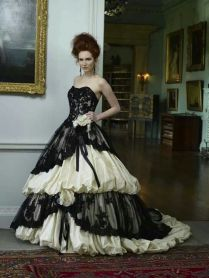 Popular Gothic Wedding Dress