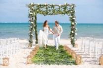 Why You Should Choose A Beach Wedding