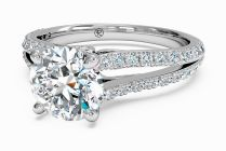 Amazing Split Shank Engagement Ring With Wedding Band Décor