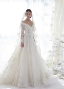 Chic Lace Wedding Dress With Sleeves