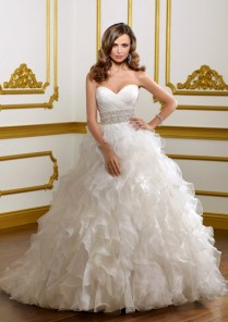 Embroidery With Ruffles Plus Size Wedding Dress