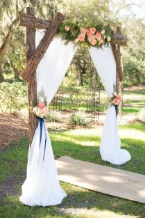 Pictures Of Wedding Arches Decorated